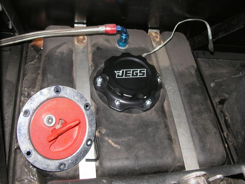 JEGS Black Fuel Cell Cap with Bung 6-Bolt Bung