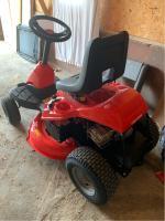 CRAFTSMAN R110 10 5-HP Manual/Gear 30-in Riding Lawn Mower