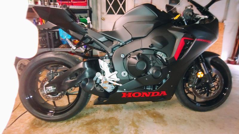 M4 GP Series Slip-On Exhaust | MotoSport