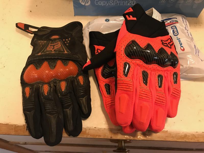2020 Fox Bomber Gloves - Color Comparison