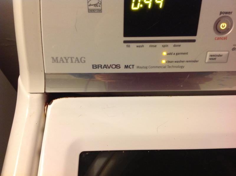 White Bravos® High-Efficiency Top Load Washer MVWB700VQ   Maytag