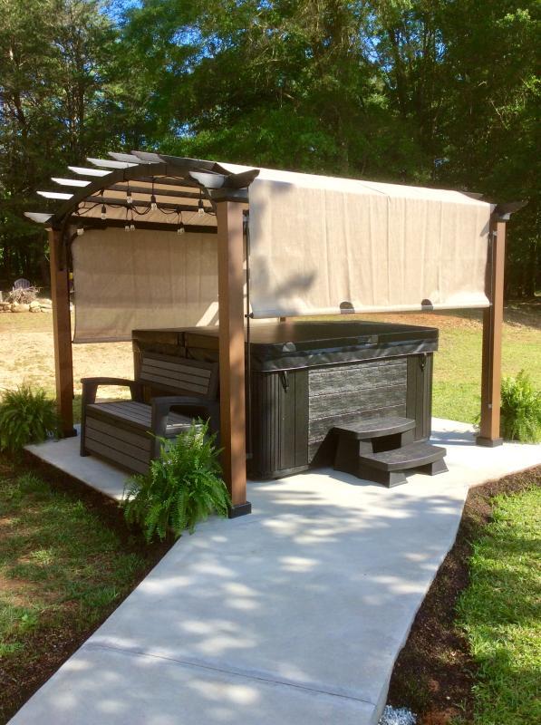 Prime Keter Hudson Plastic Storage Bench 60 Gallon Deck Box Machost Co Dining Chair Design Ideas Machostcouk