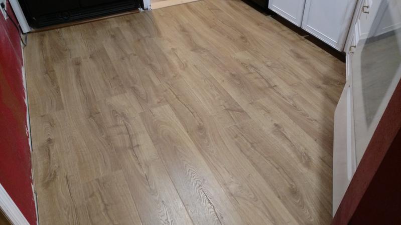 Pergo Lf000854 Outlastplus Marigold Oak, Is There Formaldehyde In Pergo Laminate Flooring