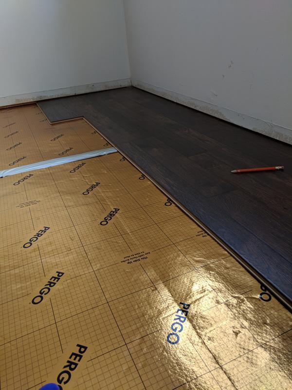 Pergo Timbercraft Wetprotect Brookdale Hickory Laminate Flooring
