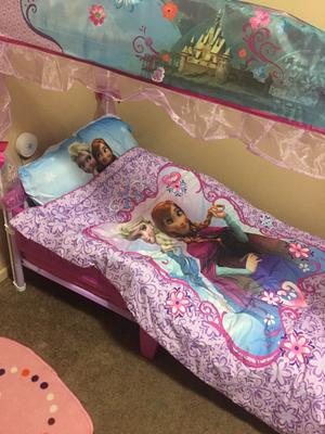 Disney Frozen Elsa U0026 Anna 4 Piece Toddler Bedding Set   Walmart.com