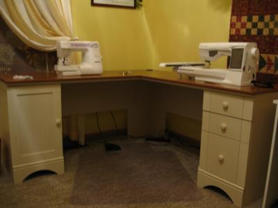 Sauder Harbor View Corner Computer Desk in Antiqued White