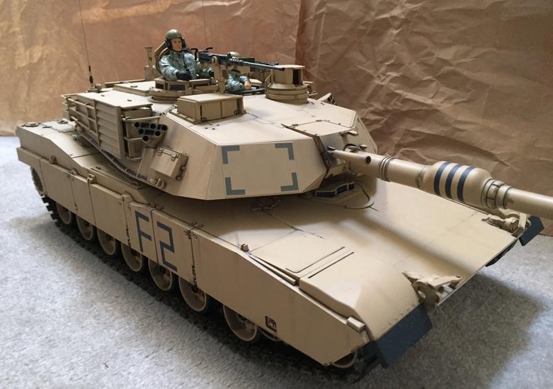 Tamiya 1/16 US M1A2 Abrams Full Option Kit