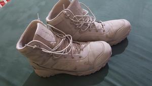 Si notano le macchie creatasi a causa del sudore  dei piedi. Ecco l'unico neo del prodotto.