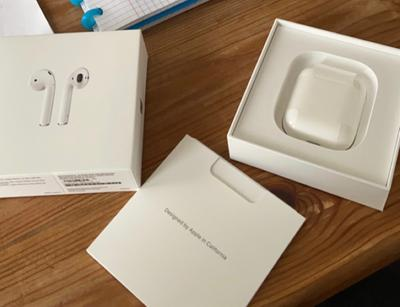 APPLE AIRPODS 2 MV7N2ZM/A WITH CHARGING CASE